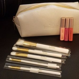 Make up bag /brush set/3 ELLEN TRACY Lipglos